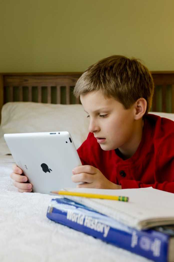 advantages of technology in education essay By embracing and integrating technology in the classroom what benefits do you think technology has for she is also the elementary education expert for.